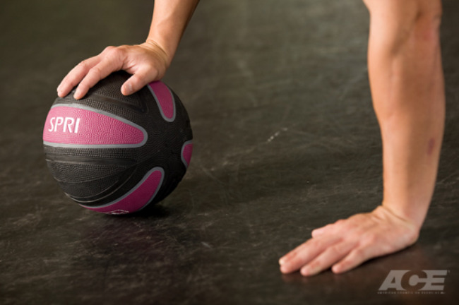 med ball push up one hand